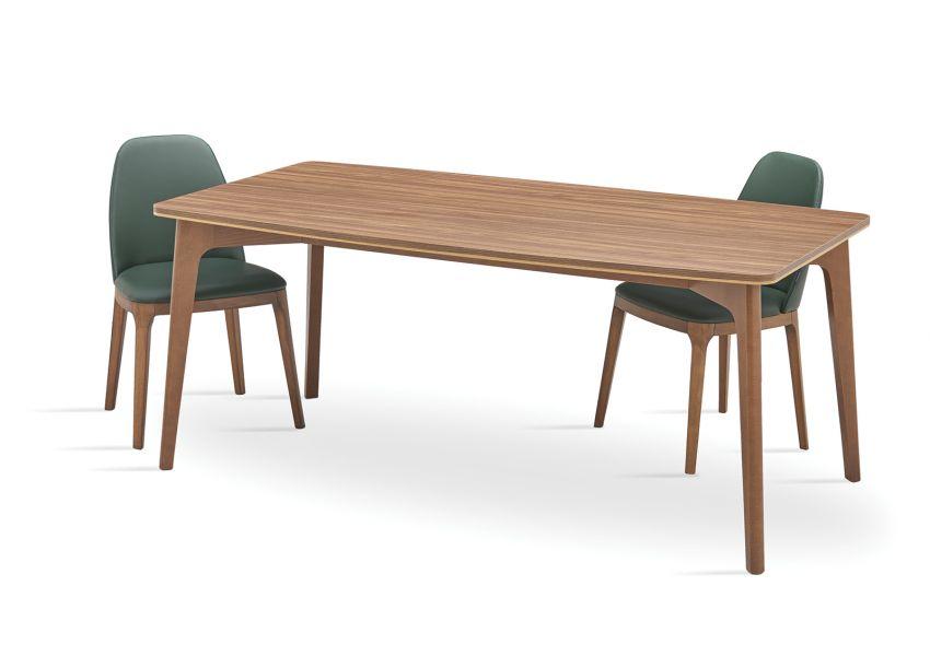Raum Dining Table